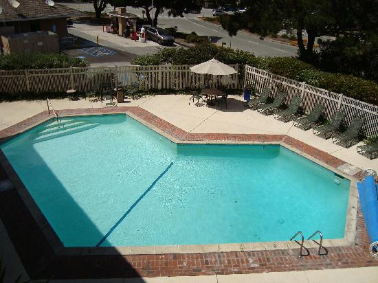 Bay Park Hotel: Pool area