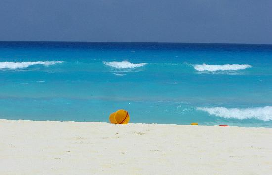 The Royal Sands Resort & Spa All Inclusive : Royal Sands Beach