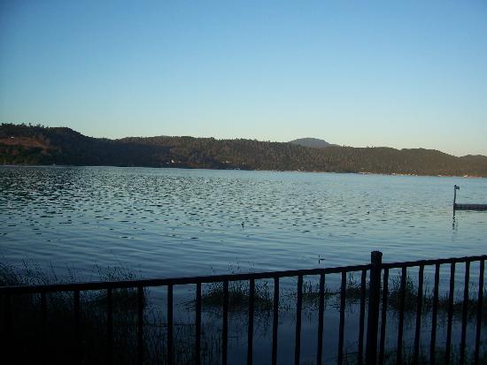 Clear Lake Cottages & Marina: View off deck at cabin 27