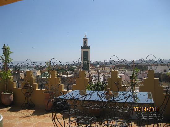 Riad Atika Meknes : terraza