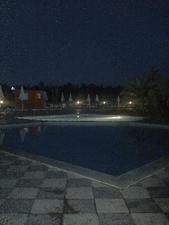 Furnari, Italia: piscina hotel