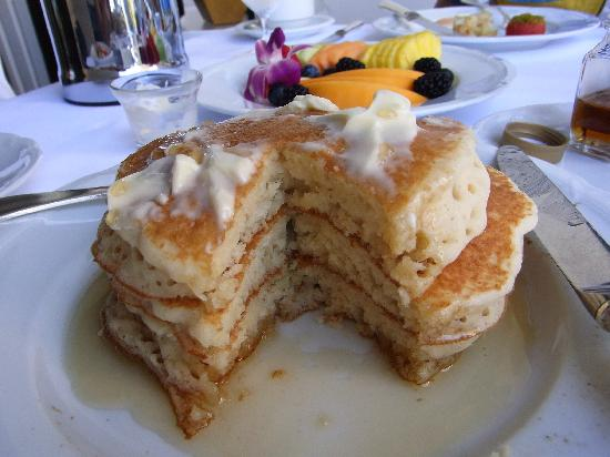 Halekulani Hotel: インルームダイニングのパンケーキ