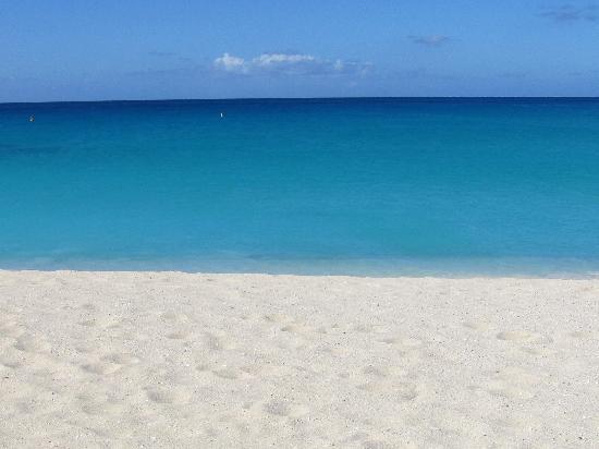 Villa Najro - Caraibes Evasion: plage de Maho Beach, petite mais Magnifique