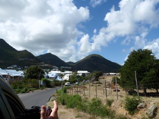 Villa Najro - Caraibes Evasion: iles montagneuse et un peu aride à certains endroits