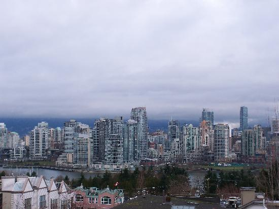 Park Inn & Suites by Radisson: Room with a view - downtown, false creek, North
