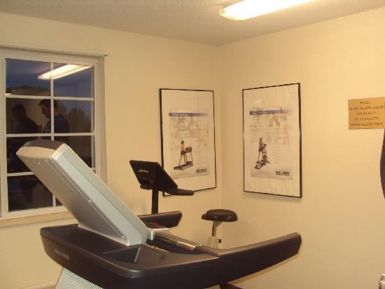 Extended Stay America - Kansas City - Country Club Plaza : fitness room