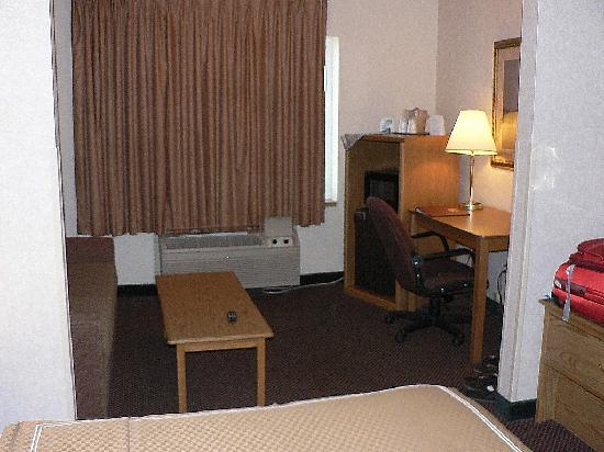 Comfort Suites at Tucson Mall: Part of sitting area