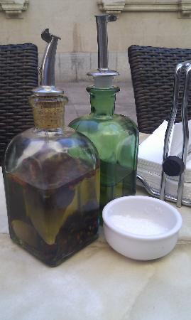 Sa cisterna: Local olive oils