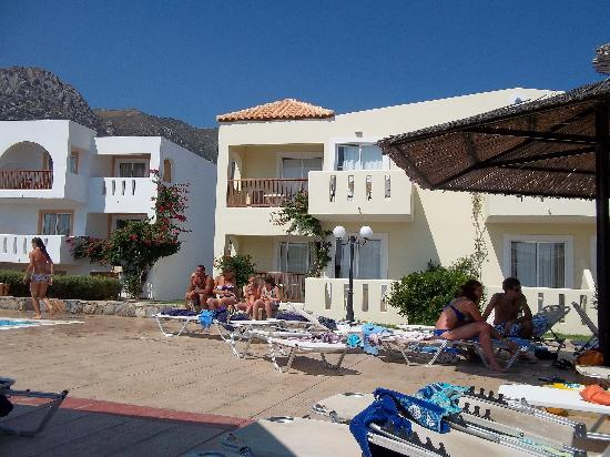 Akti Beach Club Hotel: Room 301 & 302 - ground level