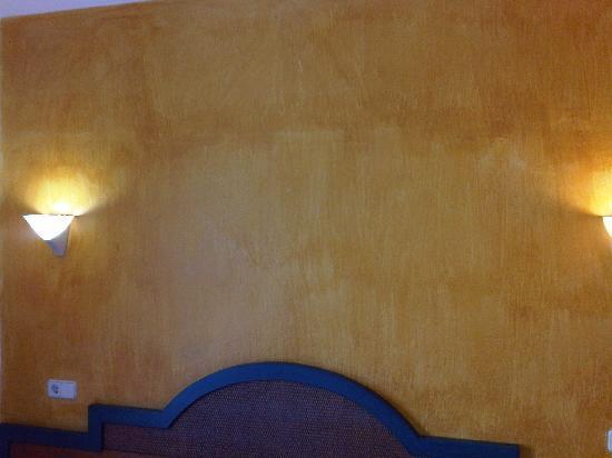 Florencio Hostal: nice paint job ????????