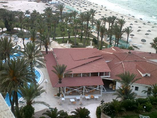 Riadh Palms Hotel: pool bar view from her room