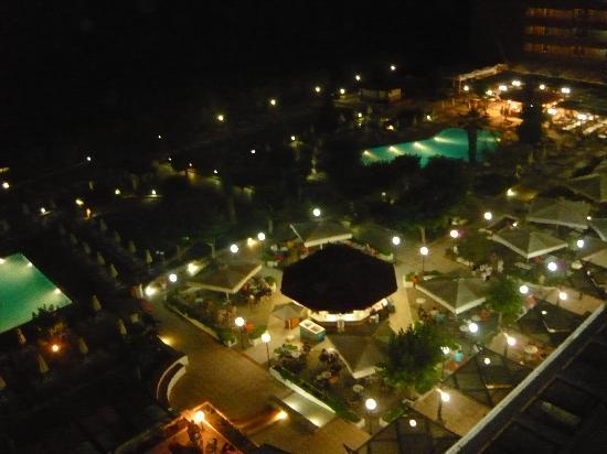 Amada Colossos Resort: hotel notte
