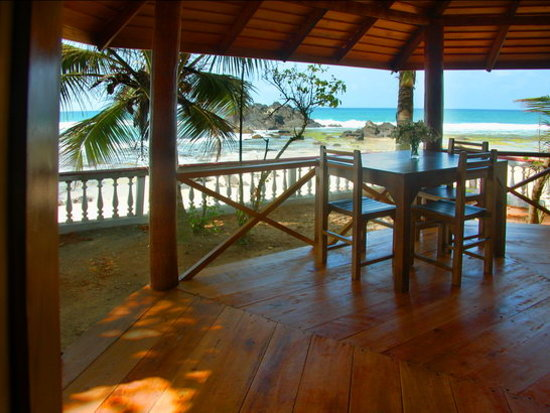 Rockside Cabanas: View from the terrace of a ROCKSIDE BEACH CABANA to the Indian Ocean