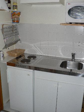 Le Mas de la Lause: Kitchen in our suite
