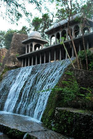 Chandigarh, India: Waterfall inside Rock garden