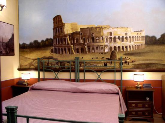 "Almes B&B: The spacious ""Colosseo"" Room"