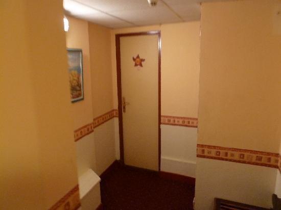 Hotel Riviera : Zimmer