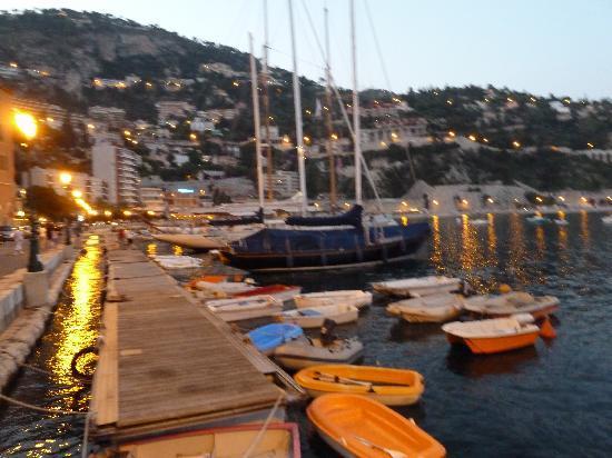 Hotel Riviera : am Hafen