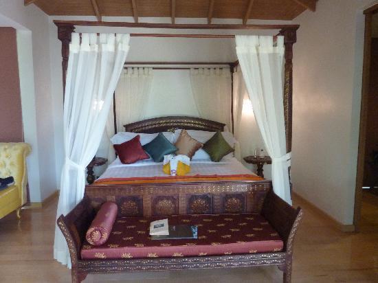 Tango Luxe Beach Villa: Wunderschöne Schlafzimmermöbel