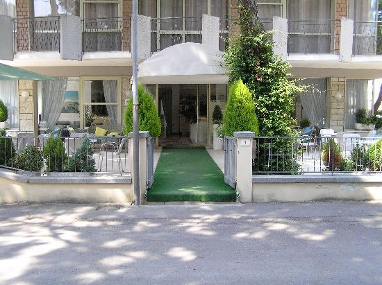 Hotel Haiti: INGRESSO HOTEL