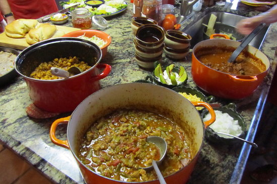 Jane Butel Cooking School: Three kinds of chili