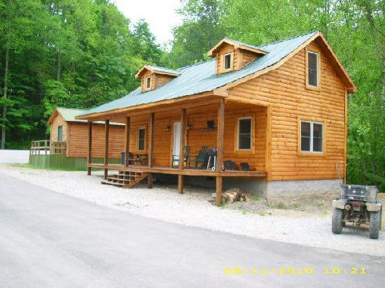 Harlan Campground, Cabin, & Kayak Rentals: 3 Bedroom Cabin w/hot tub
