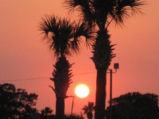 Days Inn Portland/corpus Christi: Sunset near our hotel