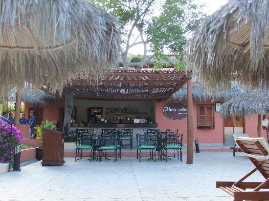 The Royal Suites Punta de Mita: pool bar