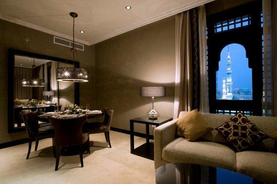 Shaza Al Madina: Al Madina Suite 3 Bedrooms (Haram View)