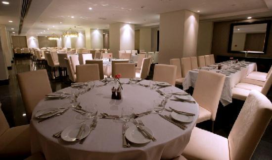 Shaza Al Madina : Banqueting Set-Up