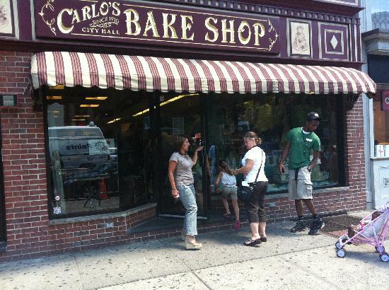 Carlo's Bakery : Grace at the door