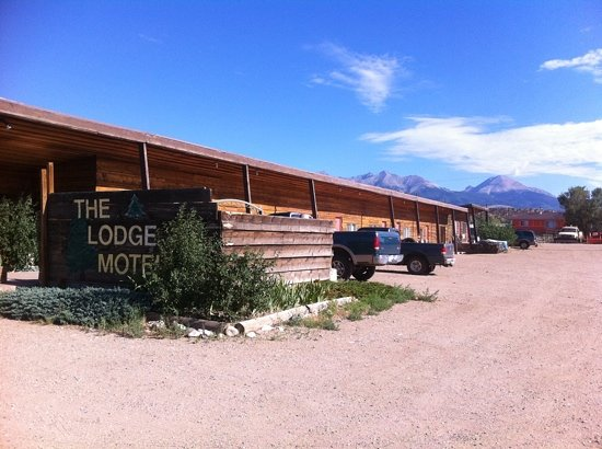 Lodge Motel: one side of the building - the other side looks just like this.