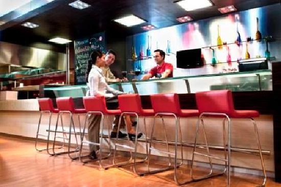 Hotel Ibis Juarez Consulado: Bar