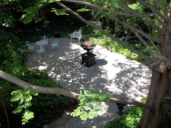 Blairpen House Country Inn: Shady Garden