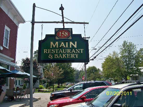 158 Main Restaurant & Bakery: You Know you are at the right place