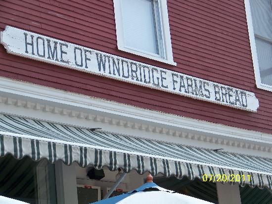 158 Main Restaurant & Bakery: Tradition lives on