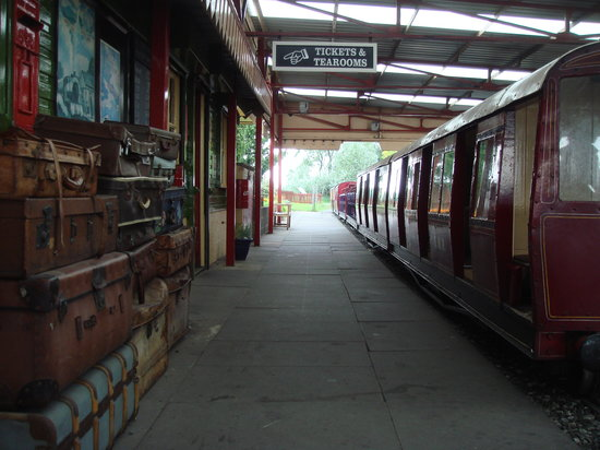 Cleethorpes Coast Light Railway: Lakeside Station