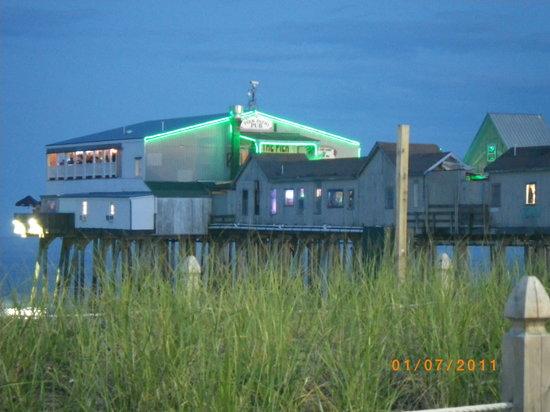 Yellow Giraffe Motel: The pier OOB