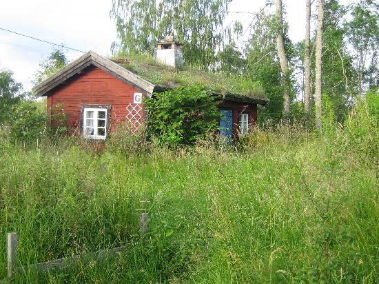 Tivedstorp - STF Vandrarhem: This is the cottage that we stayed in.
