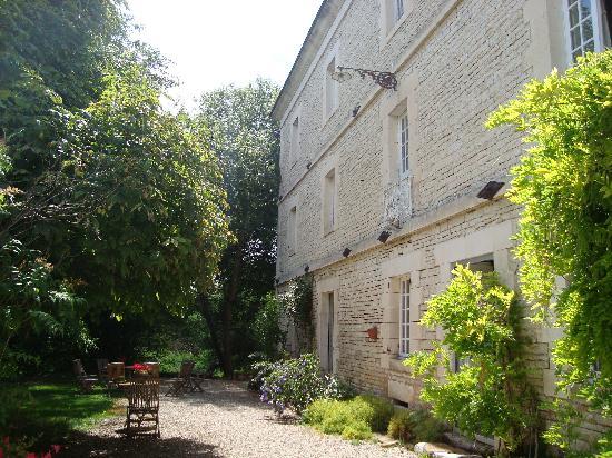 Le Moulin de Poilly-sur-Serein: esterno