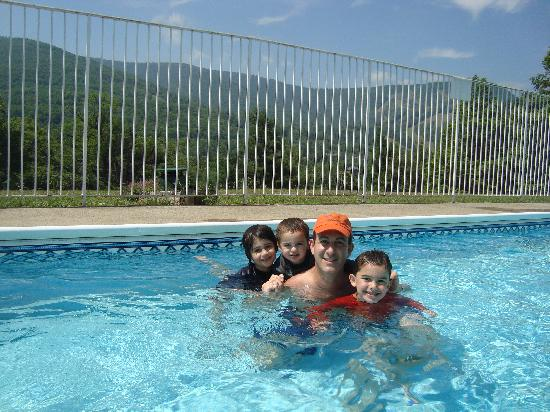 Scribner Hollow Lodge: Clean outdoor pool