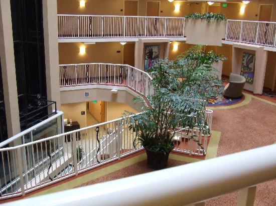 Crowne Plaza Orlando - Universal Blvd: l'atrio interno