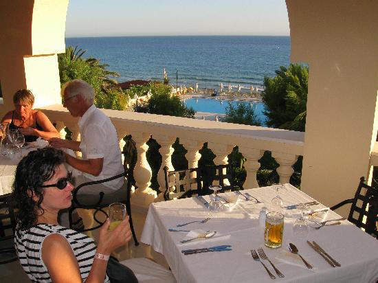 lti Louis Grand Hotel: dîner sur la terrasse du restaurant
