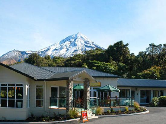 Stratford, New Zealand: Hotel, cafe, restaurant and views all in one