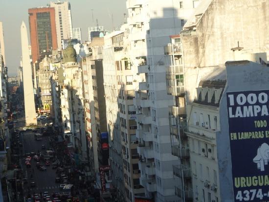 Columbia Palace Hotel: 6-Vista desde la habitación hacia el Obelisco