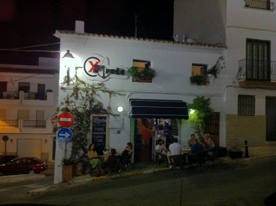 Delicious mini hamburger - Picture of Xef Pirata - Gastro Bar, Altea ...