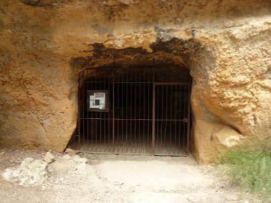 Montagne Sainte Victoire: Eingang zum Steinbruch