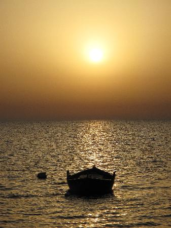 La Torre di Nubia: Mediterranean sunset view while enjoying your meal