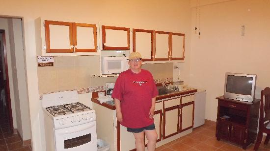 Pancho's Villa : Kitchen with amenities.