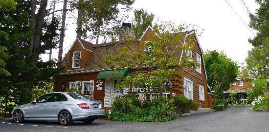J. Patrick House Bed and Breakfast Inn: Exterior of the B&B